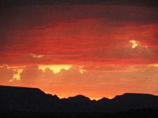 Sunset over Sedona photo illustrates 4th of July sunset and moon program
